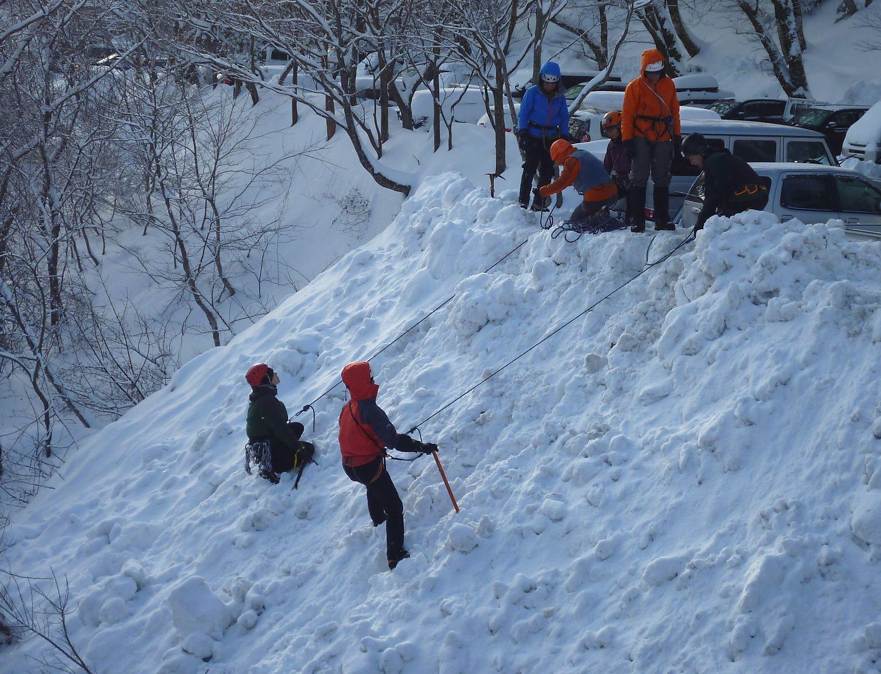 大山で氷雪技術研修会_b0156456_17555339.jpg