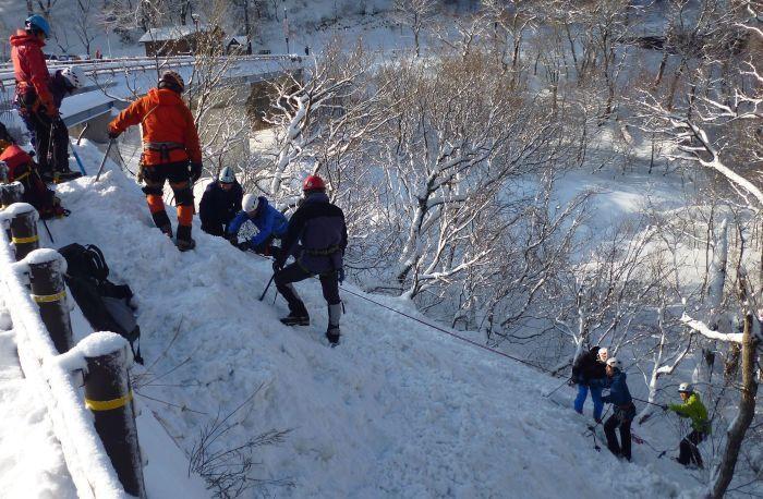 大山で氷雪技術研修会_b0156456_17572778.jpg