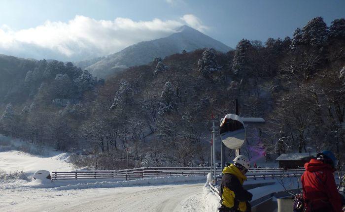 大山で氷雪技術研修会_b0156456_17585428.jpg