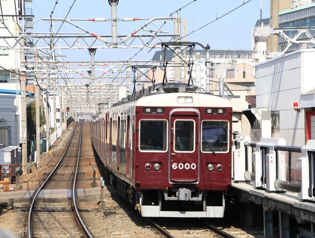 阪急6000F 十三駅にて!_d0202264_142915.jpg