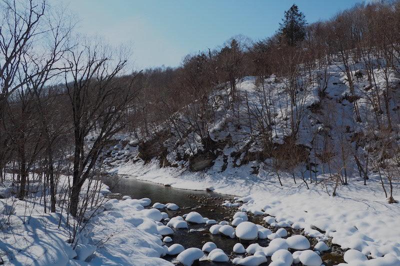 川の水面に雪の造形_b0068572_21404973.jpg
