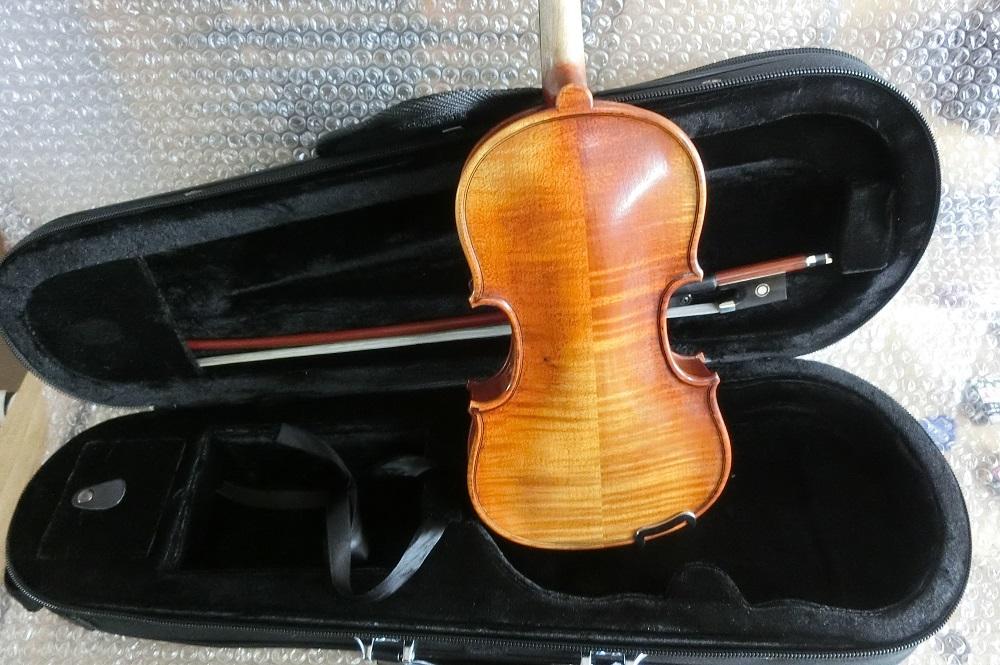 1/10サイズ 分数ヴァイオリン入荷しました。_d0299605_14361492.jpg