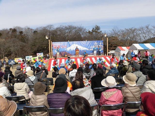 初めて参加し多くの人出に驚いた! 梅が盛りの岩本山公園での「第20回 岩松北地区 梅まつり」_f0141310_07504874.jpg
