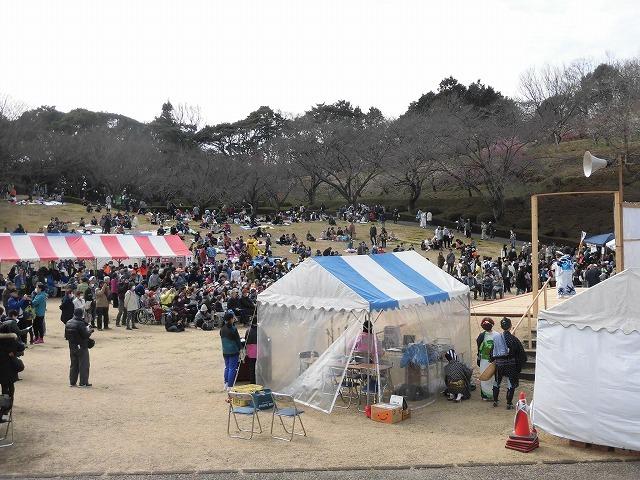 初めて参加し多くの人出に驚いた! 梅が盛りの岩本山公園での「第20回 岩松北地区 梅まつり」_f0141310_07505831.jpg