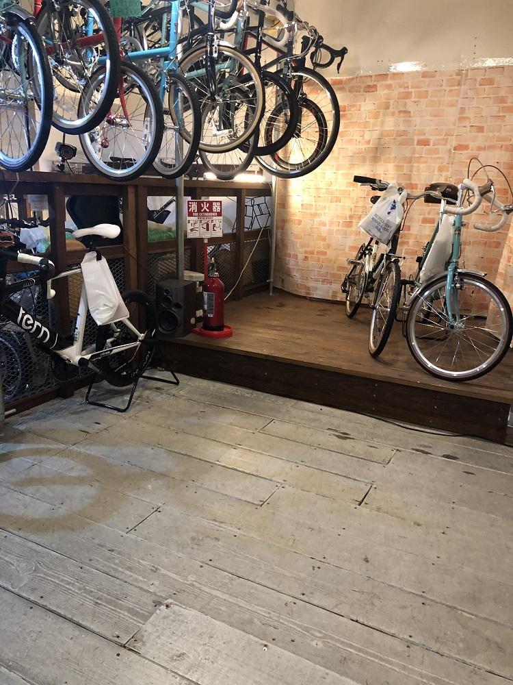 2月25日 渋谷 原宿 の自転車屋 FLAME bike前です_e0188759_13014435.jpeg
