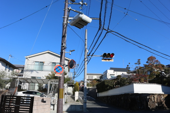 (番外編)赤が真ん中の坂を再訪 (奈良市)_c0001670_19313213.jpg