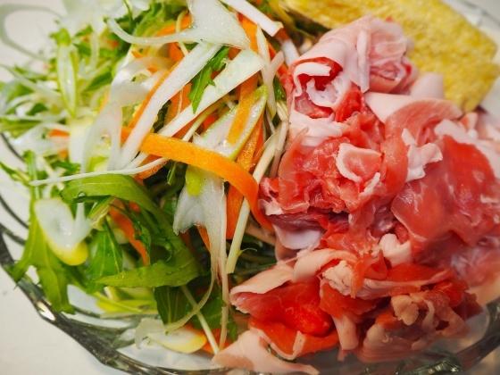 千切り野菜鍋_a0258686_06432163.jpg