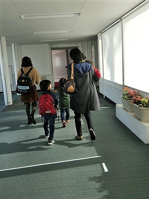 藤田八束の路面電車と観光、鹿児島の路面電車は面白く歴史感があるそして観光事業に貢献、神戸の街に路面電車が欲しい_d0181492_08232331.jpg
