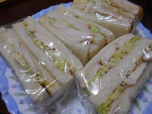 鶏むね肉オーブン焼きのサンドイッチ_f0019498_21123698.jpg