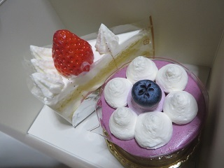 お祝いのケーキ_b0405523_19434414.jpg