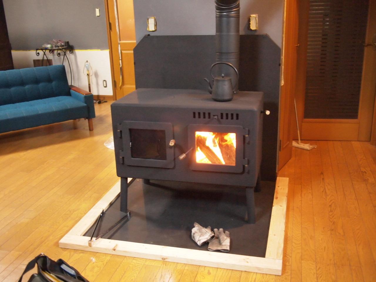 安曇野にオーブン付き横型薪ストーブを納品。_a0206732_21063544.jpg