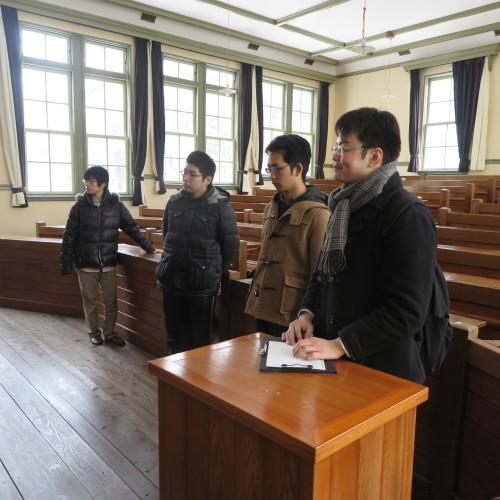 物質化学工学専攻博士前期2年、田中 隆馬君が3人と一緒に重文本館を見学_c0075701_20563085.jpg