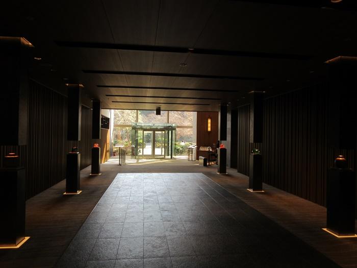 おやつタイムのラウンジ巡り【グランドプリンスホテル高輪】_b0009849_16463141.jpg
