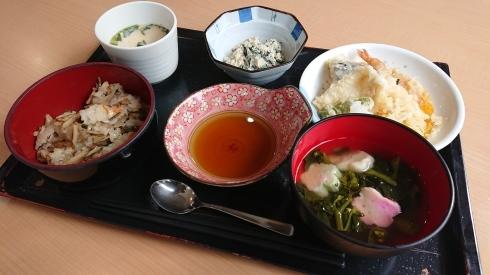 今日のお昼ご飯_d0178056_13375840.jpg