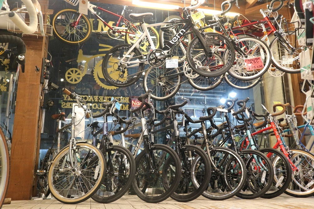 2月27日 渋谷 原宿 の自転車屋 FLAME bike前です_e0188759_10500739.jpg