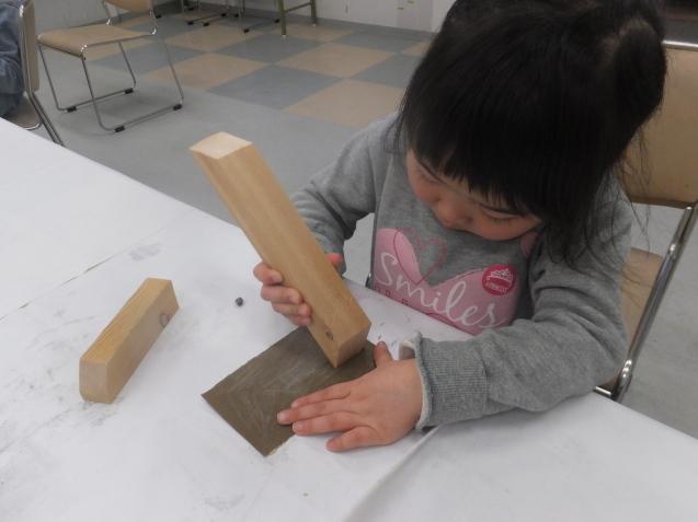 体験教室で 木の工作_e0317274_23303812.jpg