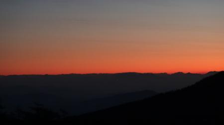 日の出前_e0120896_07215677.jpg