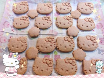 キティちゃんの桜のクッキー_c0106100_00362738.jpg