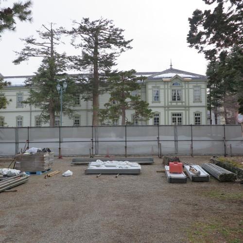 工学部正門塀の解体工事用フェンス(重文本館側)の組み立て 2016.2.27_c0075701_14372452.jpg