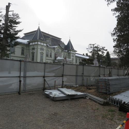 工学部正門塀の解体工事用フェンス(重文本館側)の組み立て 2016.2.27_c0075701_14374316.jpg