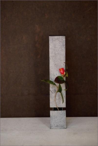 白金彩焼締箱型花器_c0086062_00362299.jpg