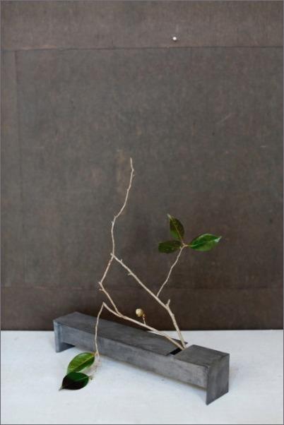白金彩焼締箱型花器_c0086062_02225996.jpg