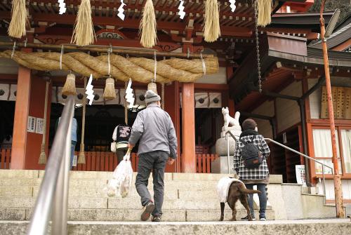 広島帰省土産小話 -草戸稲荷神社へ初詣 with ココロ-_c0334705_00055409.jpg