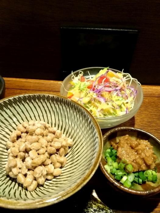 那覇・泉崎 「まるたま」 健康的な朝食!肉味噌納豆定食_c0362623_13213944.jpg