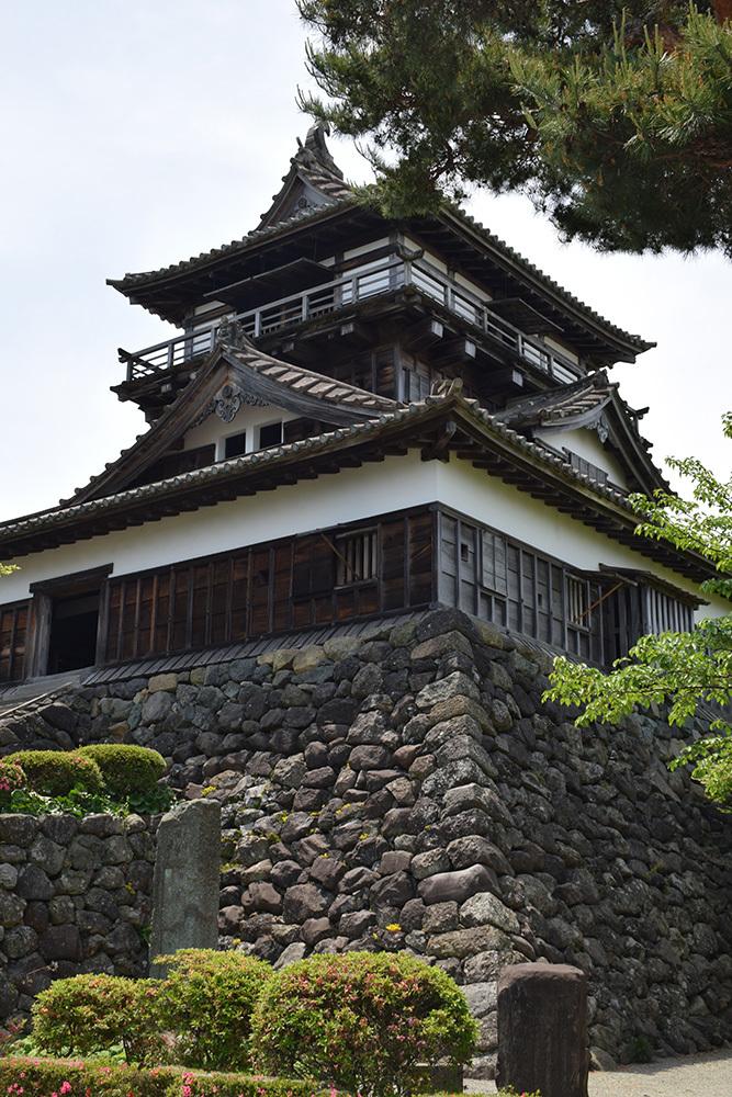 日本最古の現存天守、丸岡城を訪ねて。 その1 <天守・外観>_e0158128_19440611.jpg