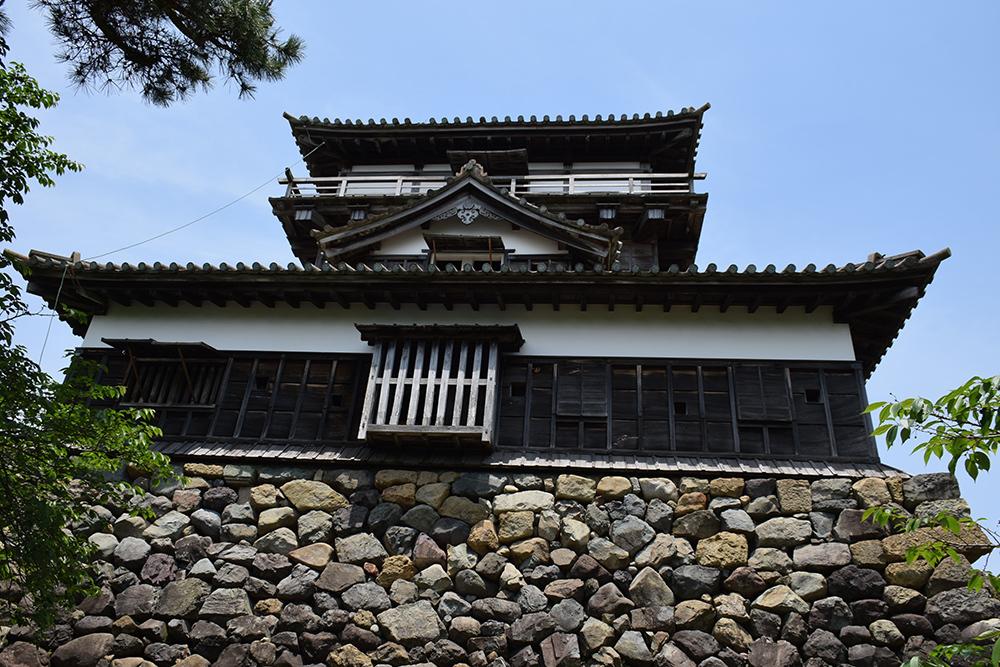 日本最古の現存天守、丸岡城を訪ねて。 その1 <天守・外観>_e0158128_19441059.jpg