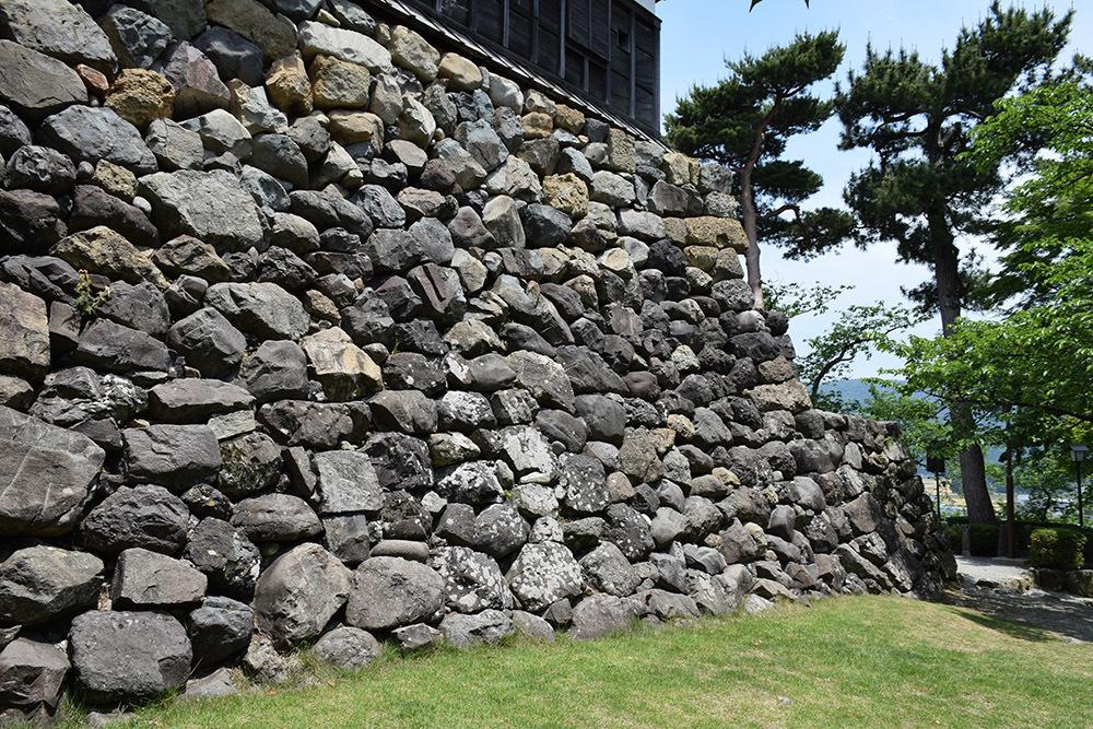 日本最古の現存天守、丸岡城を訪ねて。 その1 <天守・外観>_e0158128_19441399.jpg