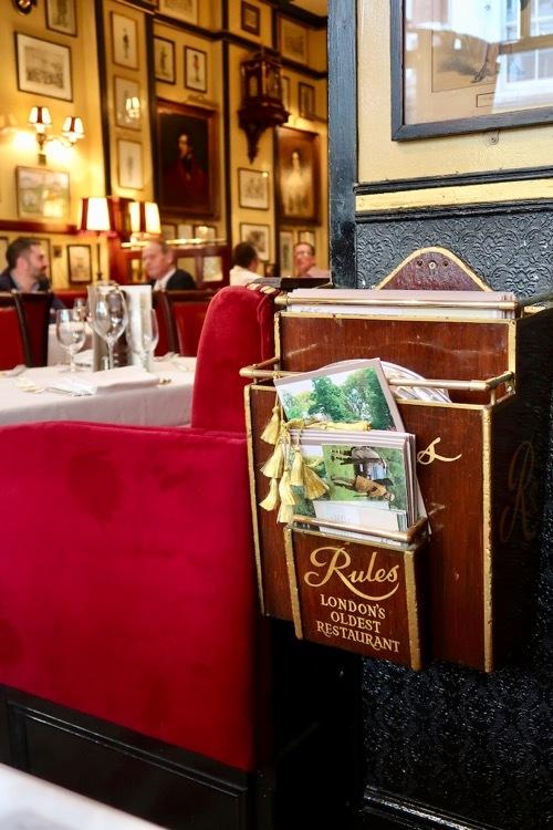 コベントガーデンの老舗レストラン Rules のステーキ&キドニープディングとパイ _f0380234_18435445.jpg