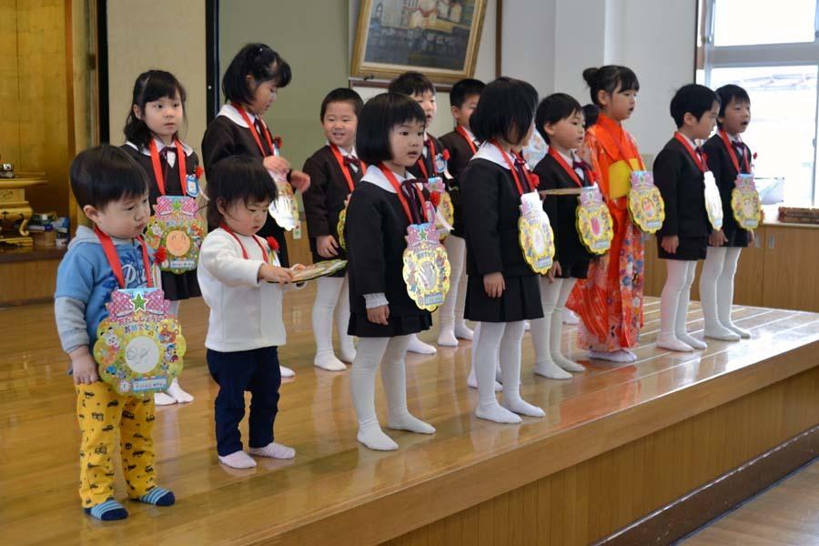 上宮第二幼稚園の「お誕生会」です。_d0353789_11445604.jpg
