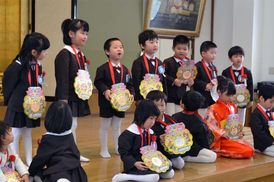 上宮第二幼稚園の「お誕生会」です。_d0353789_11450415.jpg