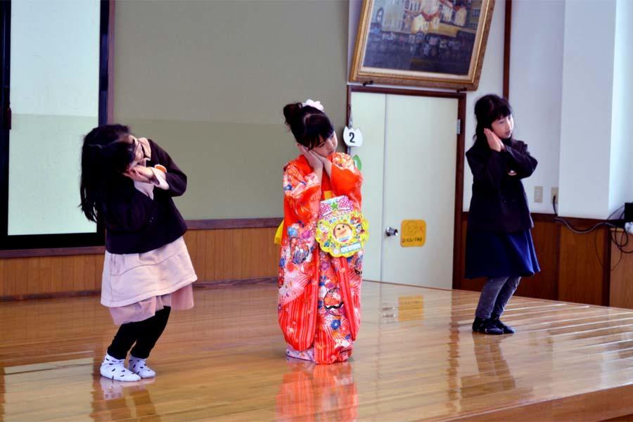上宮第二幼稚園の「お誕生会」です。_d0353789_11451264.jpg