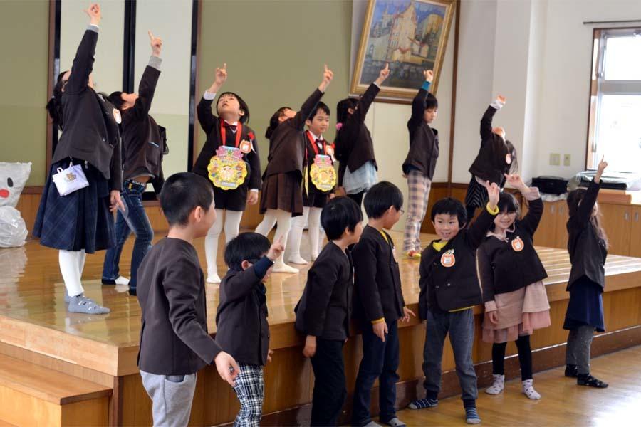 上宮第二幼稚園の「お誕生会」です。_d0353789_11454921.jpg