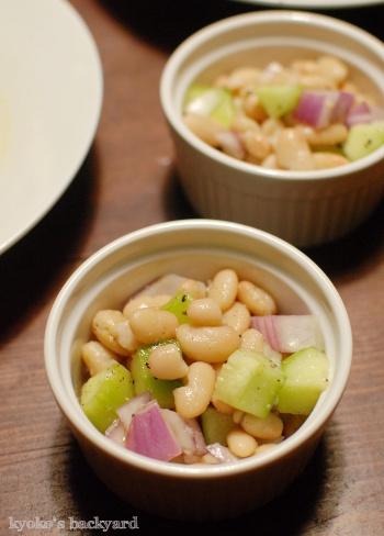 ロールキャベツ、豆サラダ、オムレツ_b0253205_11205524.jpg