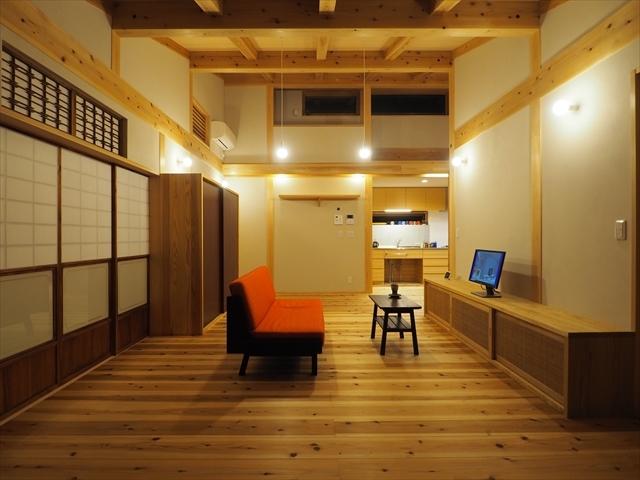 「成増の平屋」作品集とギックリ首_f0207410_13311645.jpg