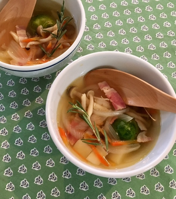 soup  コンソメ_a0165160_18461842.jpg