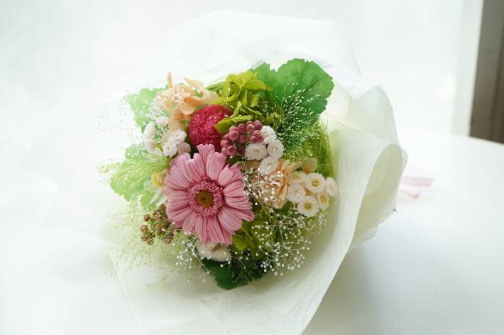 贈呈用花束 ビタミンカラーで!_a0136507_20373352.jpg