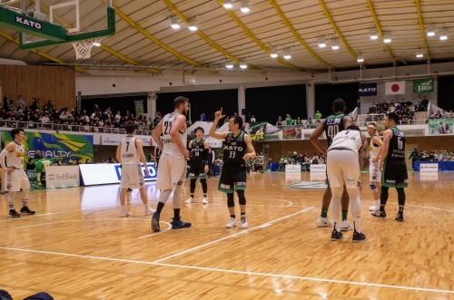 初めてバスケの試合を見に行きました 東京エクセレンス_d0004728_17362033.jpg