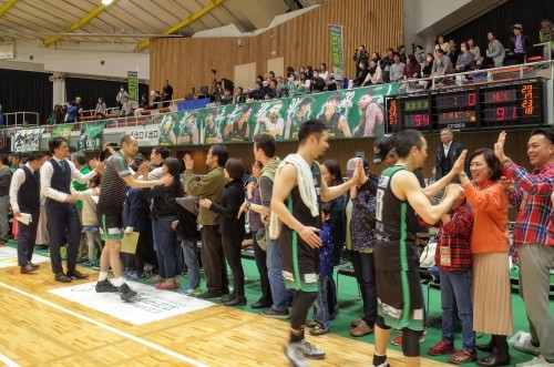 初めてバスケの試合を見に行きました 東京エクセレンス_d0004728_17384955.jpg