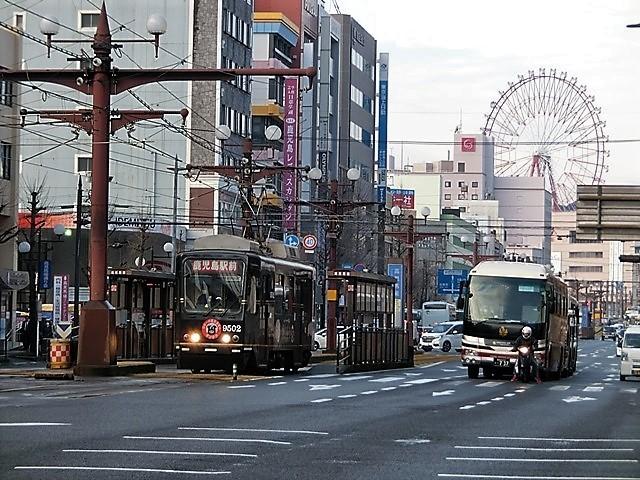 藤田八束の鉄道写真@路面電車は楽しすぎ。鹿児島市内を走る路面電車は観光客にも大好評、これからの観光事業には路面電車は必須条件_d0181492_13412663.jpg