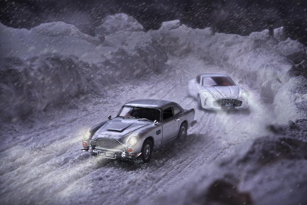Aston Martin DB5 対 ONE-77_b0175635_21391155.jpg