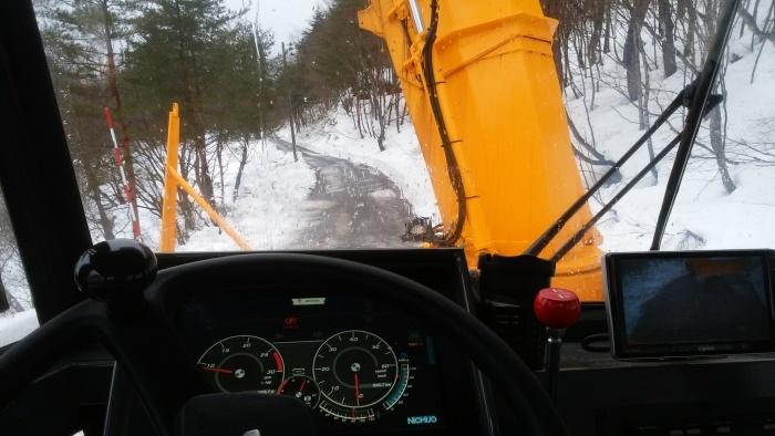 そろそろ春先除雪へ_d0122374_20385750.jpg