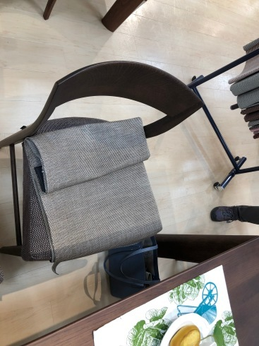 家具の買い替え_e0030180_15324127.jpg