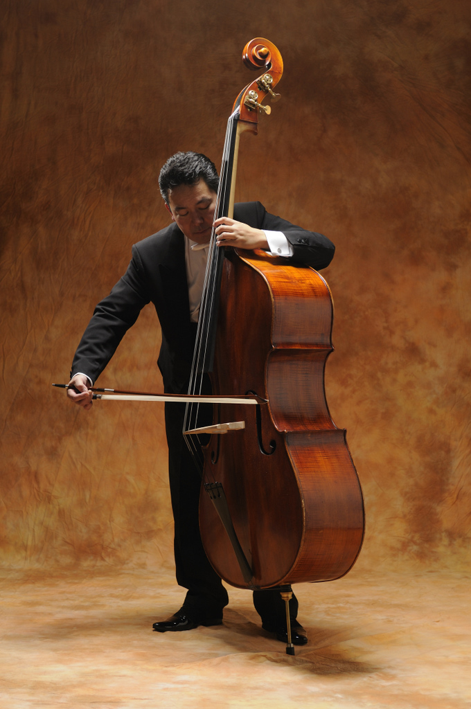 「コントラバスもたまには独りで弾きます」_c0180686_00084499.jpg