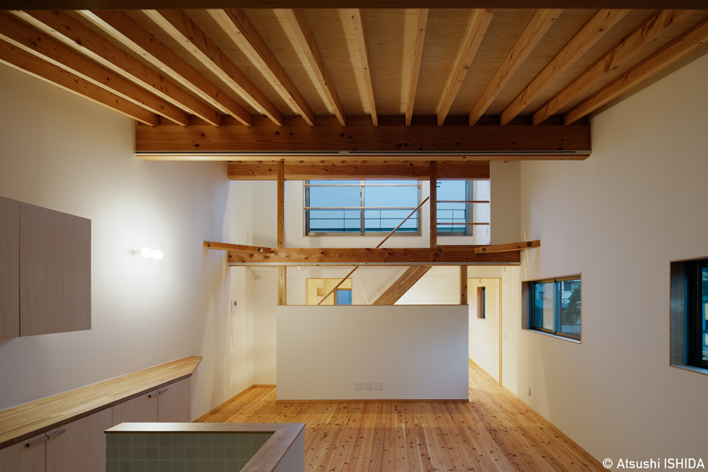 「天井の高い家、低い家」_b0061387_13103553.jpg