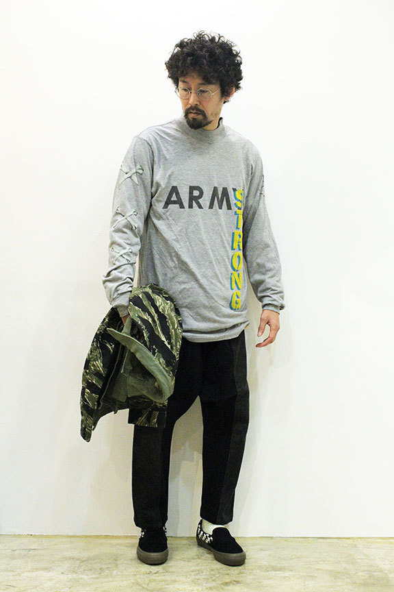 "HURRAY HURRAY (フレイ フレイ) "" ARMY STRONG MOCK NECK L/S TEE \""_b0122806_12541777.jpg"