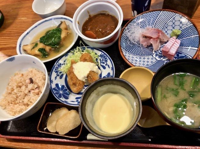 上品な海鮮丼。──「割烹 むら井」(金沢の旅 その14)_d0352022_15170623.jpg